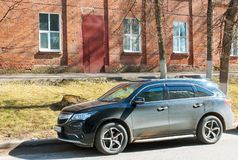 Acura MDX Honda MDX som parkeras på gatan av den Smolensk staden arkivfoton