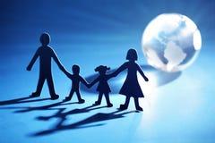 łańcuszkowy rodziny światła chodzenia papier w kierunku Zdjęcie Stock
