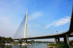 Ada-Brücke in der Mitte von Belgrad Stockfotografie