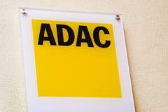 ADAC-Logo auf Fassade Lizenzfreie Stockbilder