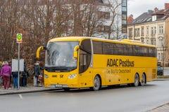 ADAC Postbus - o ônibus para Alemanha Fotografia de Stock