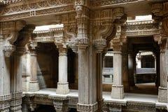 Adalaj-Schritt gut in Ahmadabad, Indien lizenzfreie stockbilder