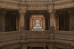 Adalaj Stepwell, Ahmadabad, Гуджарат, Индия стоковая фотография