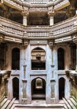 Adalaj Stepwell w Adalaj wiosce blisko Ahmedabad lub Rudabai Gujarat stan India Obraz Royalty Free