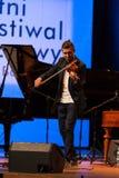 Adam Baldych - polnischer Violinist, der Live-Musik am Sommer Jazz Festival in Krakau spielt Stockfotos