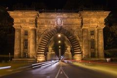 Adam Clark Tunnel unter Schloss-Hügel Es bietet einfachen Zugang zu den Plätzen in Buda Stockfotografie