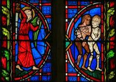 Adam en Vooravond - Gebrandschilderd glas in Reizenkathedraal royalty-vrije stock foto