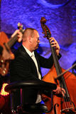 Adam Kawonczyk Quartet, der Live-Musik am €™ Krakaus Jazz All Soulsâ Tagesfestival im Wieliczka-Salzbergwerk spielt Stockfoto
