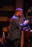 Adam Kawonczyk Quartet, der Live-Musik am €™ Krakaus Jazz All Soulsâ Tagesfestival im Wieliczka-Salzbergwerk spielt Lizenzfreie Stockfotografie