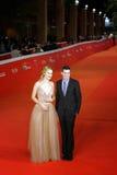 Adam Leon und Grace Van Patten auf dem roten Teppich Stockbild