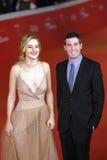 Adam Leon und Grace Van Patten auf dem roten Teppich Lizenzfreie Stockfotos