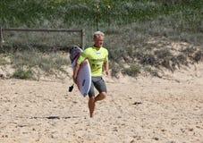 Adam Melling - Surfest Merewether Australien Lizenzfreie Stockbilder