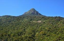 Adam-` s Spitze an bekannt als heiliger Berg Sri Pada in Sri Lanka Stockfoto