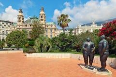 Adam- und Eve-Skulptur in Monte Carlo. Lizenzfreie Stockbilder