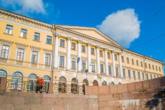 Adamini议院,建造在冠军de火星和Moika堤防,圣彼得堡,俄罗斯的角落 免版税库存照片