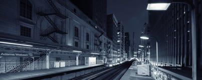 Adams Wabash preto e branco na noite imagem de stock royalty free