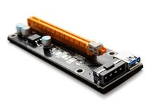 Adapter eller riser PCI-E för att bryta på videokort arkivfoton