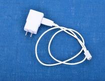 Adapter-Ladegerät mit usb-Kabel Stockfotografie