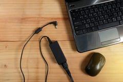 Adapterenergieladegerät der Laptop-Computers Lizenzfreies Stockbild