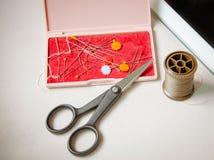 Adattamento degli accessori di hobby Corredo di cucito del mestiere fotografie stock
