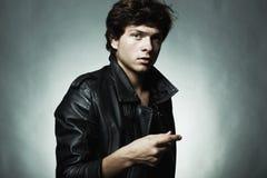 Adatti il ritratto di giovane bello uomo Fotografia Stock Libera da Diritti
