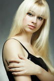 Adatti il ritratto di giovane donna bionda Fotografia Stock Libera da Diritti