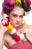 Adatti la donna con arte del fronte nello stile di lavoro a maglia Immagini Stock Libere da Diritti