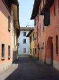 ` Adda Cremona de Rivolta d, Itália: rua velha Imagens de Stock Royalty Free