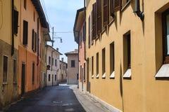 ` Adda Cremona de Rivolta d, Itália: rua velha Imagem de Stock Royalty Free