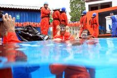 Addestramento del gruppo dei lavoratori dell'impianto di perforazione Immagine Stock Libera da Diritti
