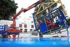 Addestramento del gruppo dei lavoratori dell'impianto di perforazione Fotografia Stock Libera da Diritti