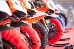 Addestramento del Superbike per la concorrenza - scaldi le ruote Immagine Stock Libera da Diritti