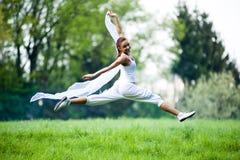 Addestramento della donna di sport Fotografie Stock Libere da Diritti