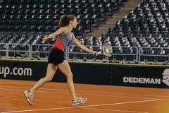 Addestramento di Buzarnescu Mihaela a Fed Cup Romania 2018 Immagine Stock