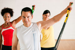 Addestramento di ginnastica in ginnastica Fotografie Stock