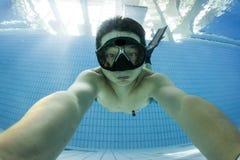 Addestramento di immersione senza scafandro fotografia stock libera da diritti