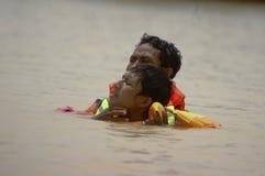 ADDESTRAMENTO DI SALVATAGGIO DELL'ACQUA DELL'INDONESIA Fotografia Stock Libera da Diritti