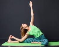 Addestramento di yoga Immagini Stock