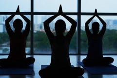 Addestramento di yoga Fotografie Stock