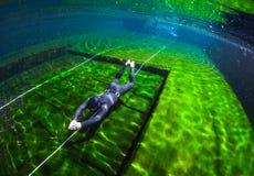 Addestramento libero dell'operatore subacqueo immagini stock