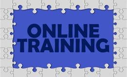 Addestramento online con il confine del puzzle Fotografia Stock Libera da Diritti