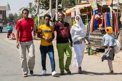 Addis Ababa, Äthiopien am 30. Januar 2014 afrikanische Männer und Frauen w Lizenzfreies Stockbild