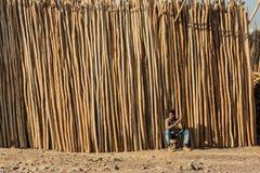 Addis Ababa, Äthiopien am 30. Januar 2014 afrikanischer Mann sitzendes nex Stockfoto