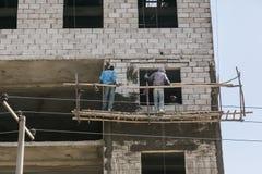 Addis Ababa, Äthiopien am 30. Januar 2014 Bauarbeiter an Stockfotografie