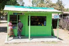 Addis Ababa, Äthiopien am 30. Januar 2014 zwei Leute, die ein pur machen Lizenzfreie Stockfotografie