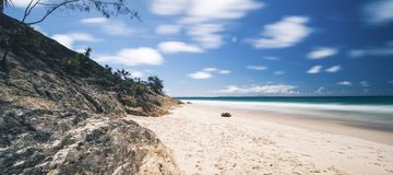 Additionsmaschinen-Felsenstrand auf Stradbroke-Insel, Queensland Stockfoto