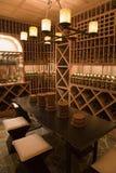 Adega de vinho home luxuosa. Imagem de Stock