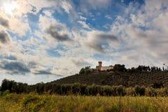 Adega e paisagem em Toscânia, Itália imagens de stock royalty free