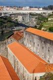 Adegas de vinho em Vila Nova de Gaia pelo rio de Douro Imagem de Stock Royalty Free