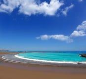 Adeje sunie Las Americas wyrzucać na brzeg w południowym Tenerife zdjęcie stock